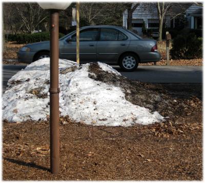 snowmomshouse.jpg