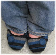 knittedshoes1.jpg