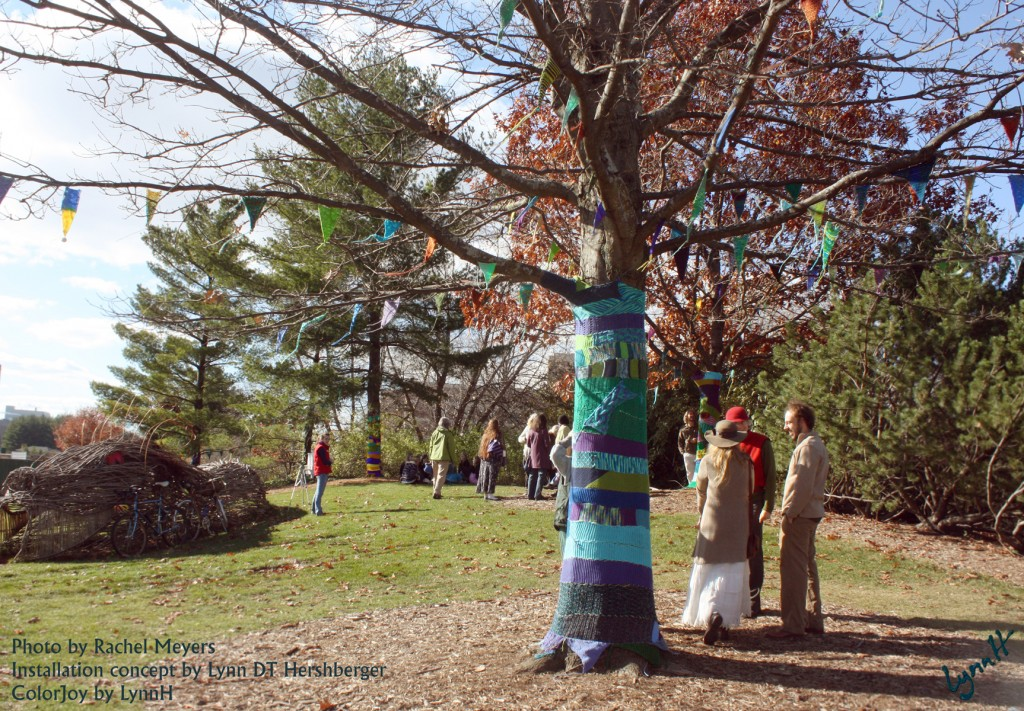 Yarn bOMbing at MSU gardens, after.